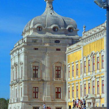 The impressive Palacio de Mafra.
